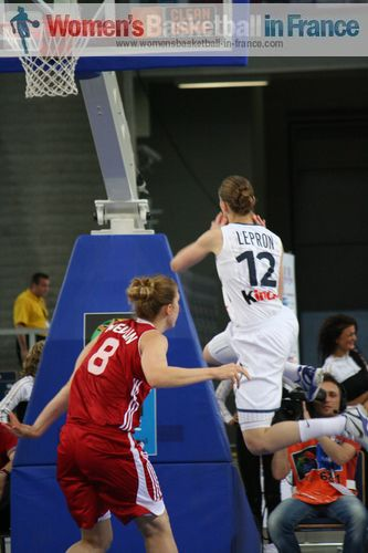 Florence Lepron about to score at EuroBasket Women 2011 © womensbasketball-in-france.com