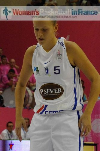 Camille Aubert  ©  womensbasketball-in-france.com