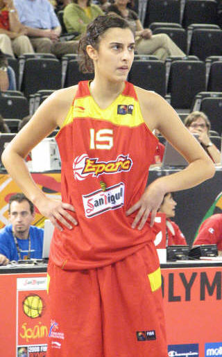 Alba Torrens playing at the 2008 Olympic Qualifying tournament in Madrid © womensbasketball-in-france.com