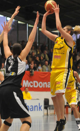 Royals Saarlouis playing basketball in the EuroCup Women   © Royals-Saarlouis