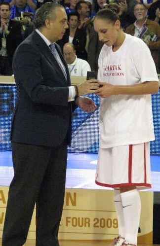 Diana Taurasi EuroLeague Women Final 4 mvp © Miguel Bordoy Cano