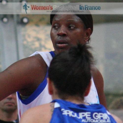 Bernadette N'Goyisa  © womensbasketball-in-france.com
