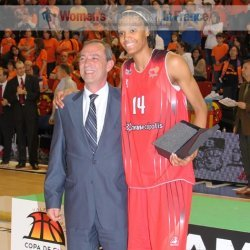 Dewanna Bonner ©  womensbasketball-in-france.com