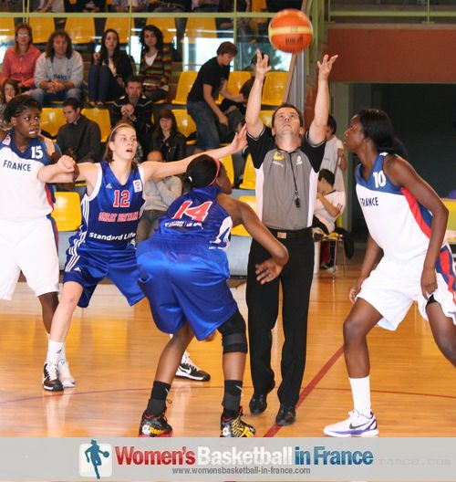 temple-sur-lot 2011: France vs. Great Britain  © womensbasketball-in-france.com