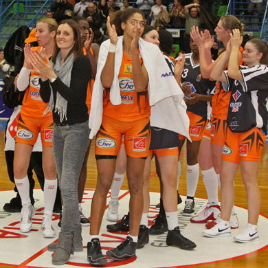 Players from Bourges Basket after the game  © Bourges Basket