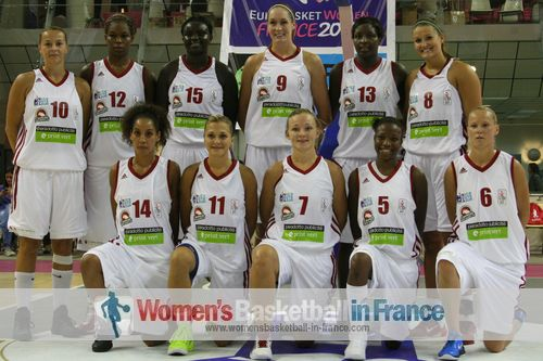 Cavigal Nice team Picture 2011-2012 ©  womensbasketball-in-france.com