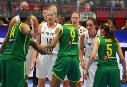 Brazil against Canada at the FIBA  World Championship Women   © womensbasketball-in-france.com