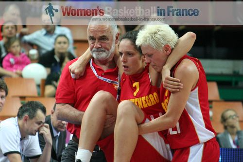 Ana Baletic lifted off the court  at EuroBasket Women 2011 © womensbasketball-in-france.com