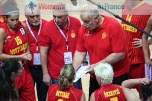 Miodrag Baletic giving instructions during time-out at EuroBasket Women 2011 © womensbasketball-in-france.com