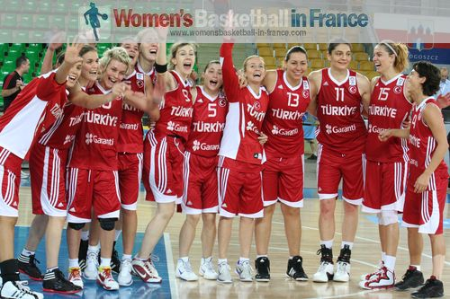 Turkey on their way to 2011 EuroBasket Women quarter-final  © womensbasketball-in-france.com