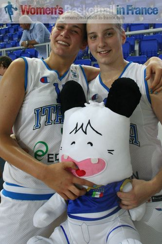 Alessandra Tava an Valeria De Pretto  © womensbasketball-in-france.com