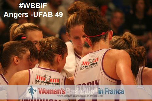 UFAB 49 players in the huddle