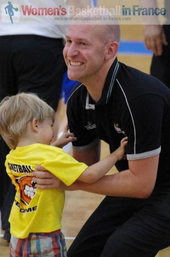 Belgium U16 coach! Arvid Diels  in Miskolc after beating France © womensbasketball-in-france.com