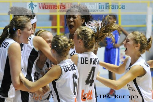 Belgium U16 players celebrate after beating France in the quarter-final   © FIBA Europe - Castoria/Gregolin