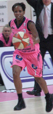 Bintou Dieme ©womensbasketball-in-france