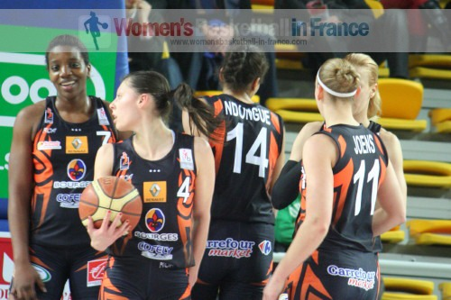 Players from Bourges Basket in 2011  © womensbasketball-in-france.com