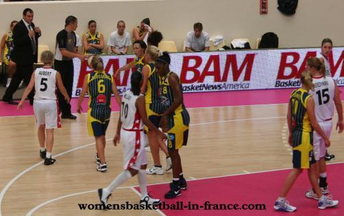 Open LFB 2000 (Calais vs Mondeville) © womensbasketball-in-france.com