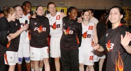 Charleville-Mézières players say thank you © flammesbasketcarolo