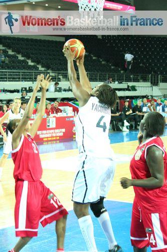 Djenaba Samake and Isabelle Yacoubou-Dehoui ©  womensbasketball-in-france.com