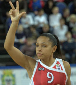 Edwige Lawson-Wade playing for Spartak Moscow  © FIBA Europe