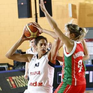 Emméline Ndongue  playing against Belarus at EuroBasket Women 2009 © Castoria - FIBA Europe