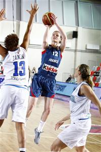 Florence Lepron playing against Italy at EuroBasket Women 2009 © Castoria - FIBA Europe