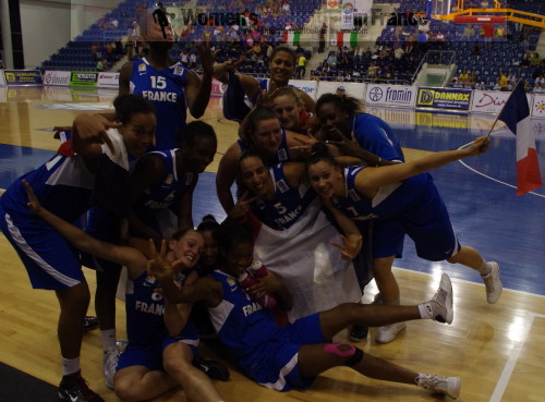 France U18 win bronze medal at the 2010 U18 FIBA Europe European Championship Women Division A © womensbasketball-in-france.com