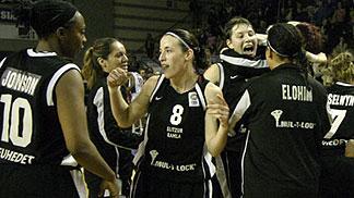 Galatesaray celebrate EuroCup Victory