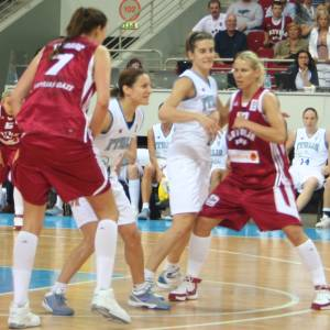 Latvia lose at hope to Italy at EuroBasket women  © Womensbasketball-in-france.com