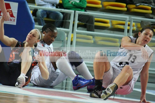 Cathy Joens, Amina Njonkou and Caroline Nestor  © womensbasketball-in-france.com