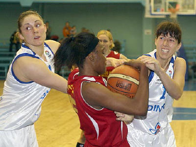 Latoya Davis  © FIBA Europe
