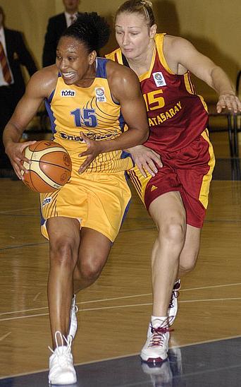 Loree Moore and Marina Kress ©  FIBA Europe