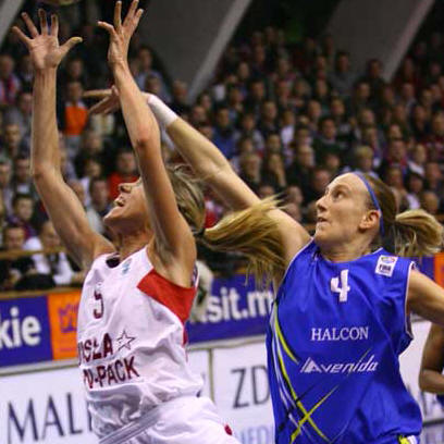 Marta Fernandez and Anke DeMondt  © FIBA Europe