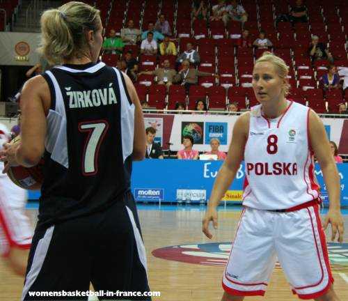 PaulinaPawlaki at EuroBasket Women 2009 © womensbasketball-in-france.com