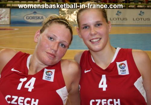 Renata Brezinov and Alena Hanusová  © womensbasketball-in-france.com