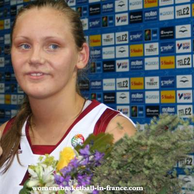 Sabine Niedola at EuroBasket Women 2009 with  © Womensbasketball-in-france.com