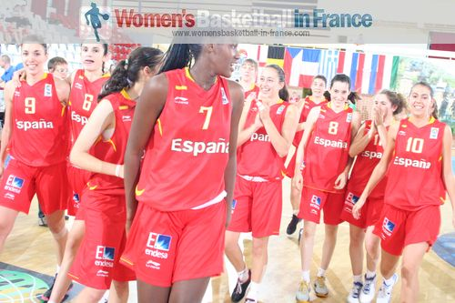 Spain U16 ready for quarter-final in Miskolc © womensbasketball-in-france.com