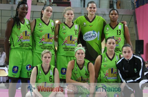 UHB 2010-2011 © womensbasketball-in-france.com