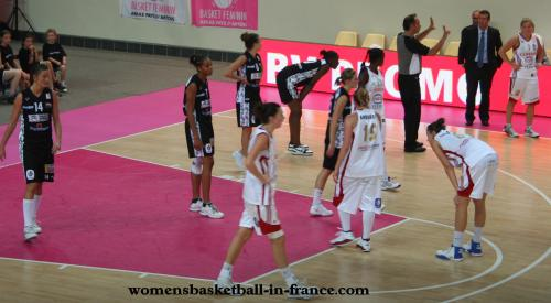 Villeneuve d'Ascq taking on Armentières in the north derby © womensbasketball-in-france.com