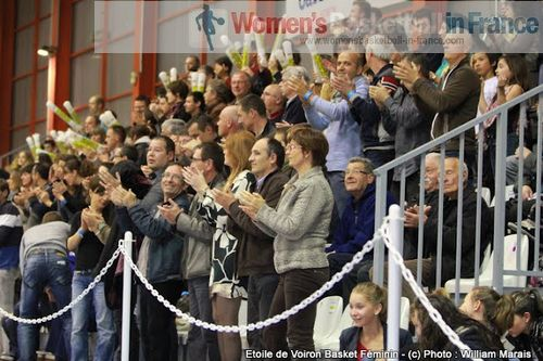 L'Etoile de Voiron Supporter © womensbasketball-in-france.com