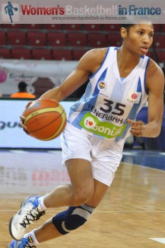 >Angel Mc Coughtry  © womensbasketball-in-france.com