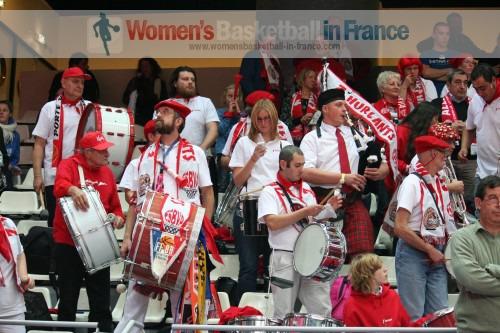 Les Z'Hurlants, club de supporters de Villeneuve d'Ascq © womensbasketball-in-france.com