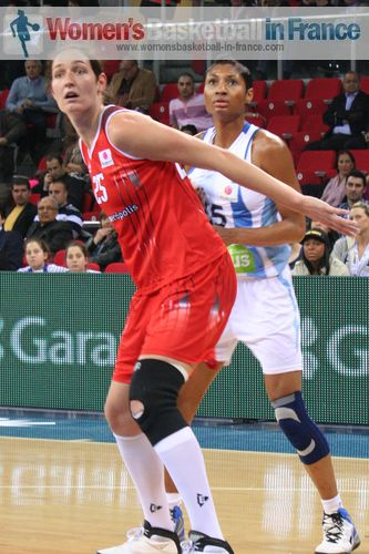 Sandra Pirsic and Angel McCoughtry © womensbasketball-in-france.com