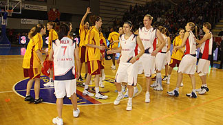 players at end of EuroCup Women 2009 final first leg ©  Renato Ingenito
