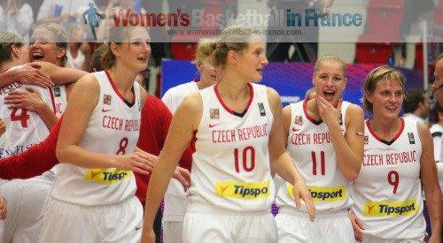 Czech Republic players at the FIBA World Championship Women  © womensbasketball-in-france.com