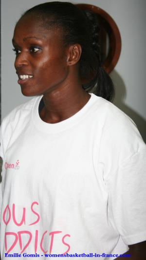 Emilie Gomis at the Open LFB 2009 in Paris  © womensbasketball-in-france.com
