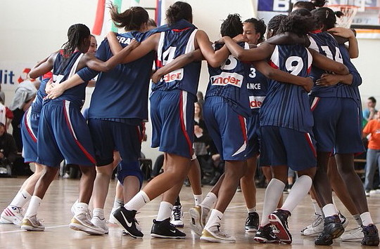 France U16 celebrate winning 2010 Tournoi International du Poinçonnet © Olivier Sarre