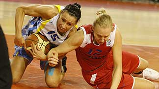 Gunta Basko and Ann Wauters ©  FIBA Europe