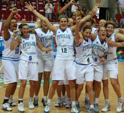 Italy qualify for quarter-final at  EuroBasket Women 2009 © womensbasketball-in-france.com