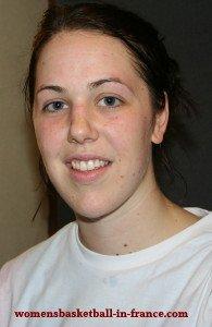 Jenna O'Hea playing basketball in France © womensbasketball-in-france.com